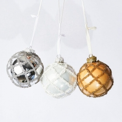 Pack of Christmas balls